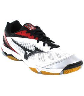 Nike Brasilia 6 bag for slippers · Mizuno Wave Hurricane e115769ed140b
